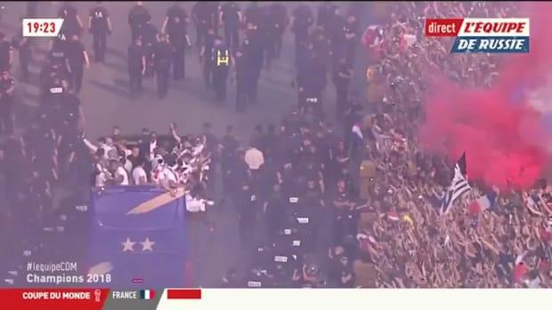 France Welcomes Back Les Bleus With Celebration on Champs-Élysées - IMAGE
