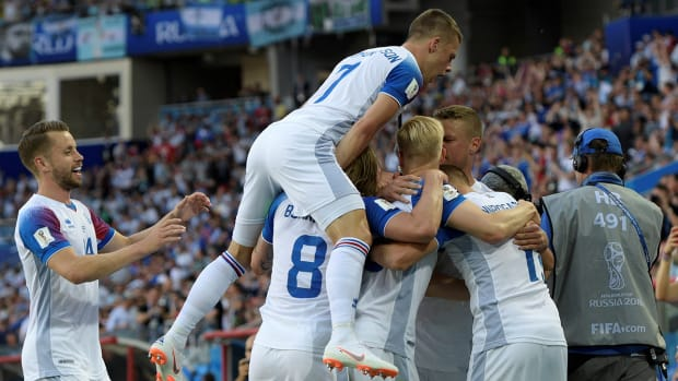 iceland-goal-announcer-video-argentina.jpg