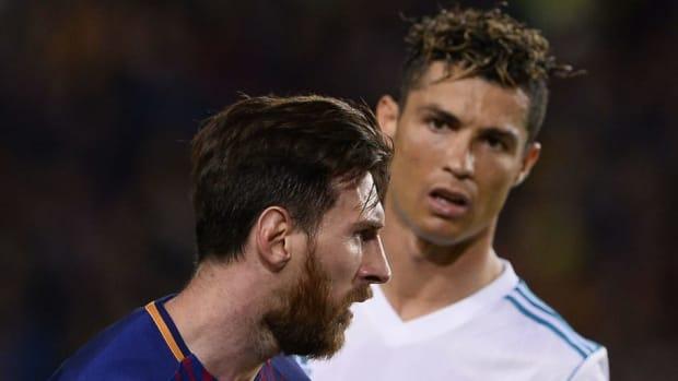 topshot-fbl-esp-liga-barcelona-real-madrid-5af0118b3467ac8ea3000001.jpg