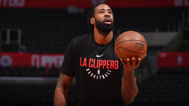 DeAndre Jordan Opts Out of Clippers Contract--IMAGE