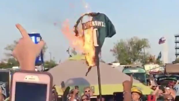zero-super-bowls-jersey-burns.jpg