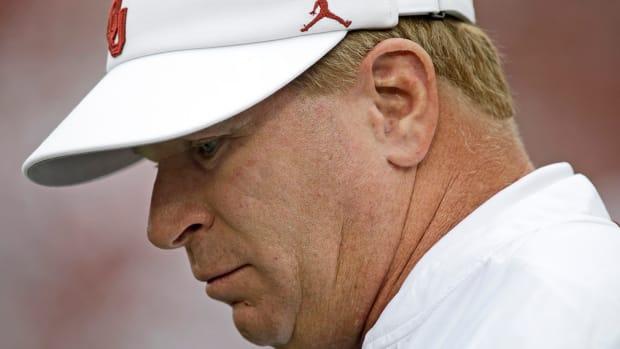 oklahoma-stoops-coach-out-defensive-cordinator.jpg