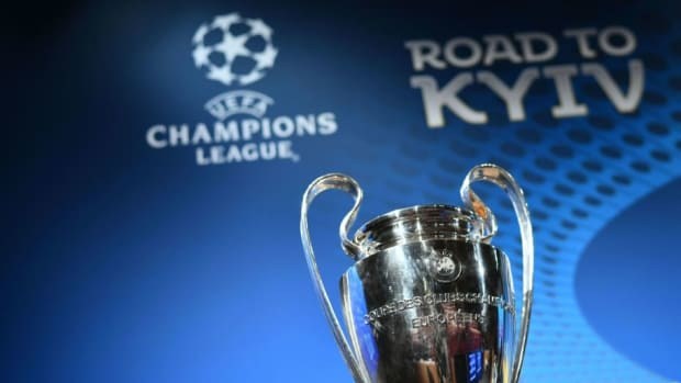 fbl-eur-c1-draw-trophy-5b053c5e73f36ca99e000006.jpg