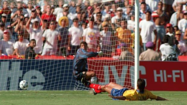 colombian-defender-andres-escobar-lies-o-5af19b6a3467ac93c1000004.jpg