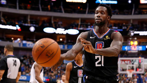 clippers-patrick-beverley-throws-ball.jpg