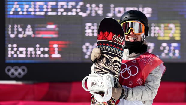 jamie-anderson-usa-snowboard-big-air-medal.jpg