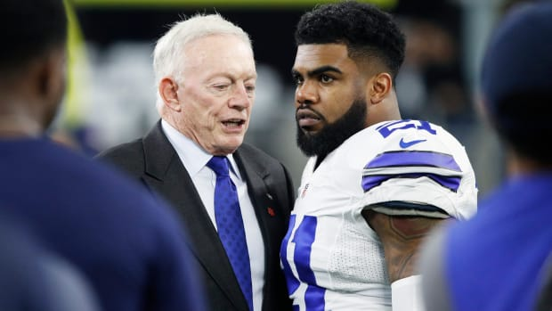 zeke-thanks-jerry-jones.jpg