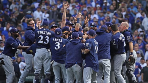 Brewers Defeat Cubs in Game 163 to Win NL Central--IMAGE