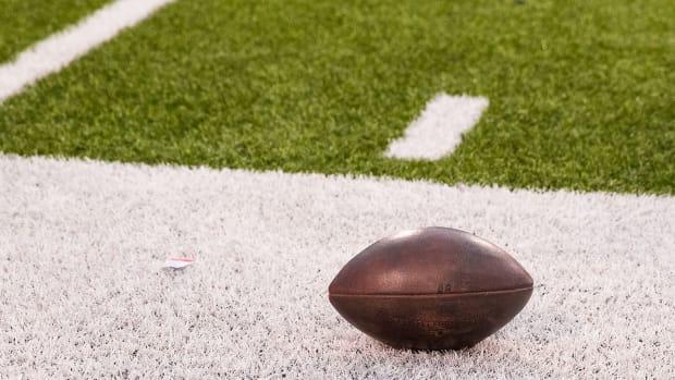 generic-football-picture-high-school-player.jpg