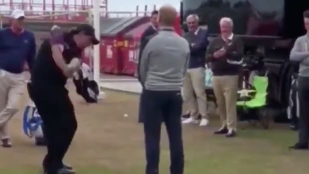 phil-mickelson-fan-chip-shot-video.png