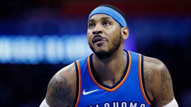 carmelo-anthony-traded-thunder-hawks.jpg