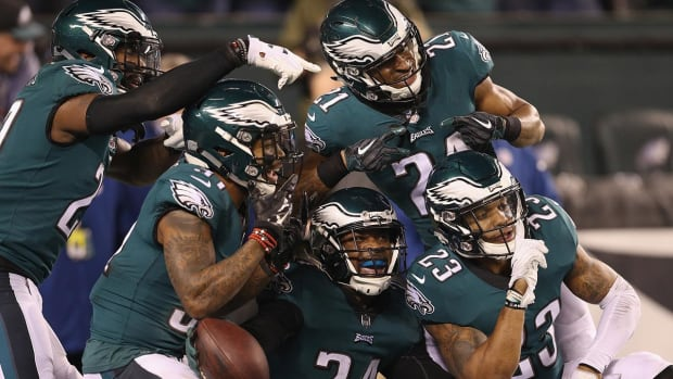 Eagles Rout Vikings En Route to Franchises Third Super Bowl Appearance - IMAGE