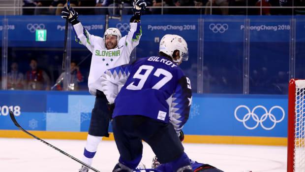 usa-slovenia-olympic-hockey.jpg