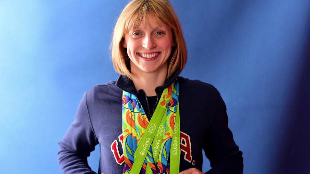 Olympic Swimmer Katie Ledecky Signs First Deal Since Going Pro - IMAGE
