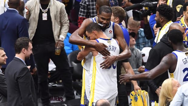 Warriors Complete Sweep, Win Second-Straight Title With 108-85 Victory Over Cavs