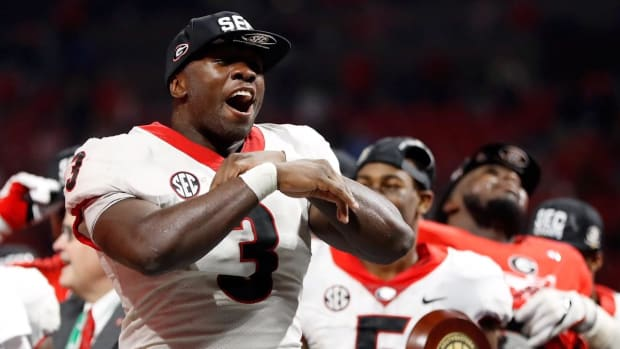 Bears Rookie Roquan Smith Had Team-Issued iPad, Georgia Memorabilia Stolen Out of Car - IMAGE