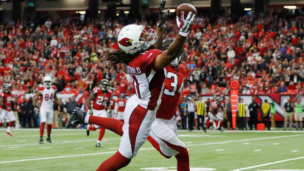 Cardinals WR Larry Fitzgerald Will Return For 15th Season--IMAGE