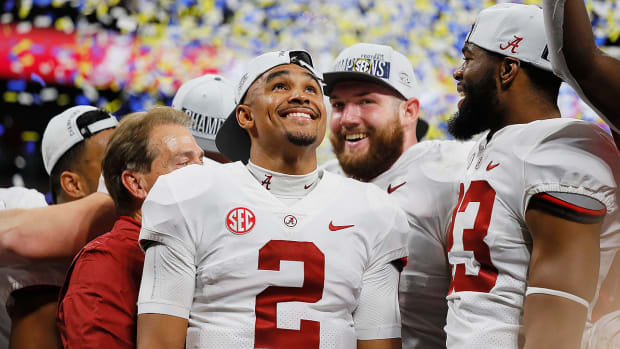 alabama-jalen-hurts-replaces-tua-injury.jpg