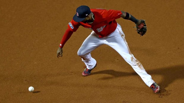 eduardo-nunez-alcs-game-1-error-red-sox.jpg