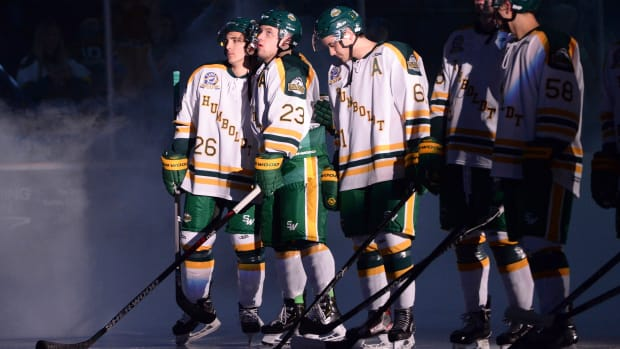 humboldt-broncos-return-ice.jpg