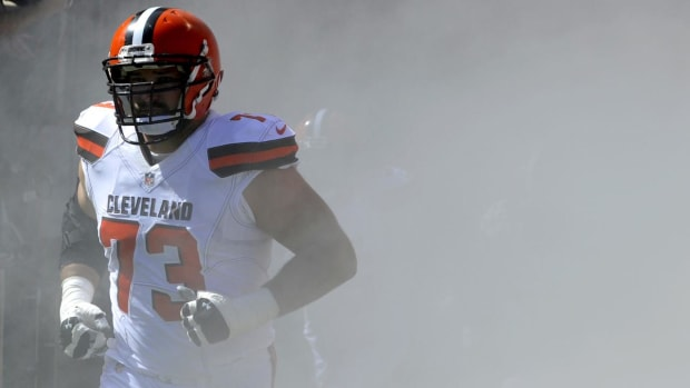Browns' Joe Thomas Announces Retirement After 11 Seasons In The NFL - IMAGE