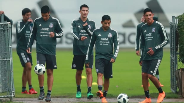 mexico-training-session-and-press-conference-5b18b0f13467ac5570000003.jpg