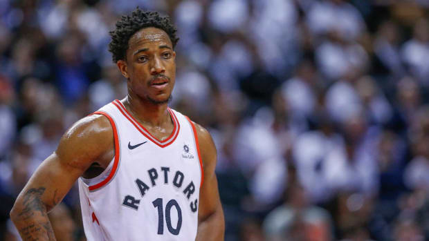 Raptors President Apologizes to DeMar DeRozan for 'Miscommunication'--IMAGE