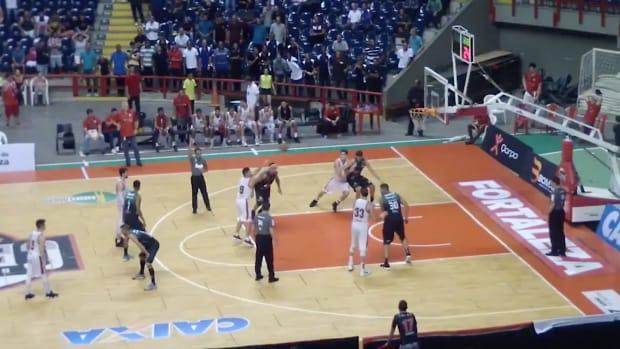 brazil-basketball-buzzer-beater-video-paulinho-boracini-cearense.png