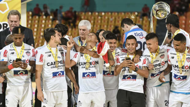 independiente-v-junior-torneo-clausura-liga-aguila-2018-5c1fdaa1bf00e5b32d000001.jpg
