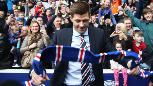 steven-gerrard-is-unveiled-as-the-new-manager-at-rangers-5b1a4ef3f7b09d4484000003.jpg