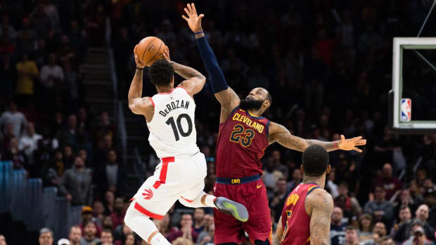 LeBron James, Cavaliers Defeat East-Leading Raptors 132-129--IMAGE