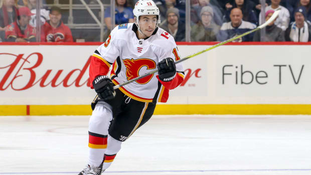 johnny-gaudreau-flames-jets.jpg