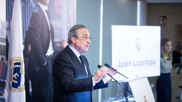 julen-lopetegui-press-conference-at-santiago-bernabeu-stadium-5b22cae3f7b09d5ea0000003.jpg