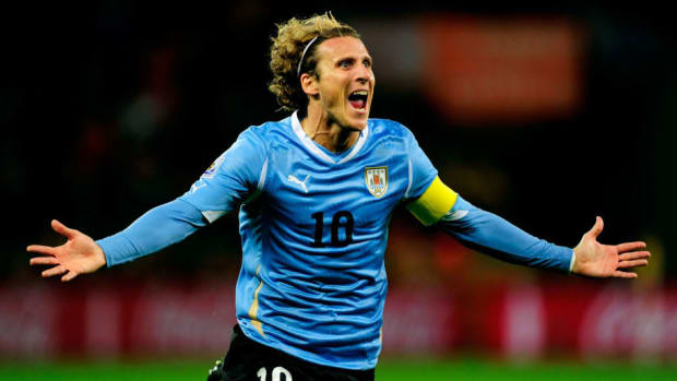 uruguay-v-netherlands-2010-fifa-world-cup-semi-final-5b1aa738f7b09df37f000005.jpg