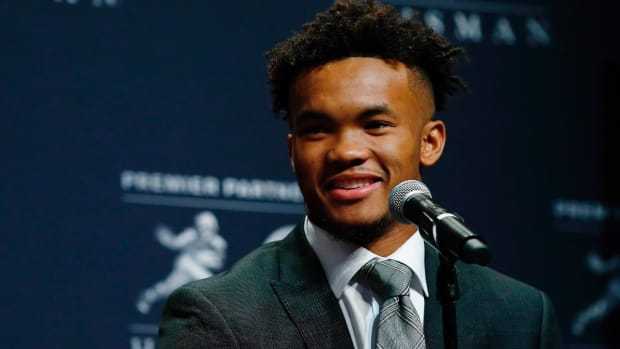 Oklahoma QB Kyler Murray Wins 2018 Heisman Trophy Award--IMAGE