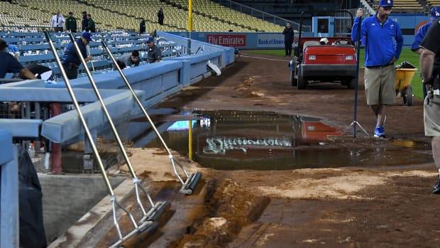dodger-stadium-sewer-leak.jpg