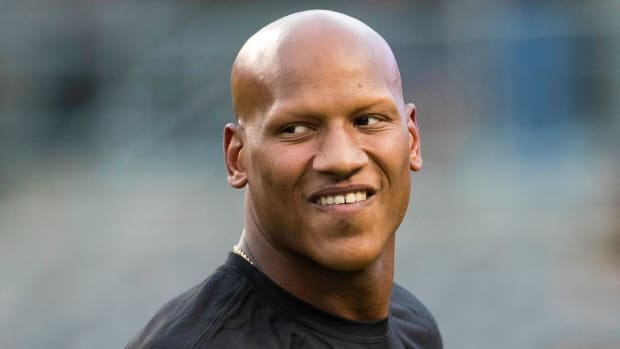 Steelers' Ryan Shazier Lifts Weights as He Works Toward Return to Football - IMAGE