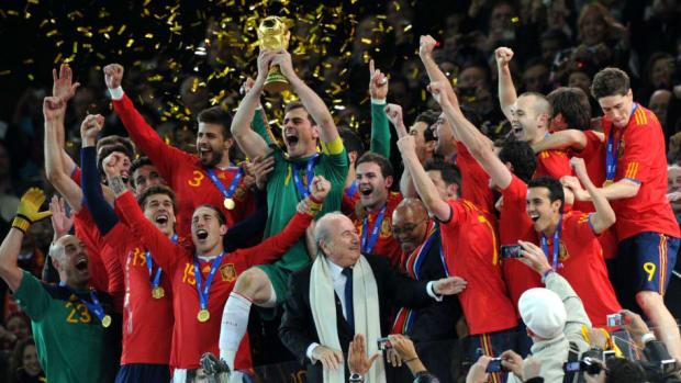fbl-wc2010-match64-ned-esp-trophy-5b1a83cc73f36c7c61000002.jpg