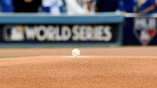 MLB Imposes Limits On Mound Visits - IMAGE