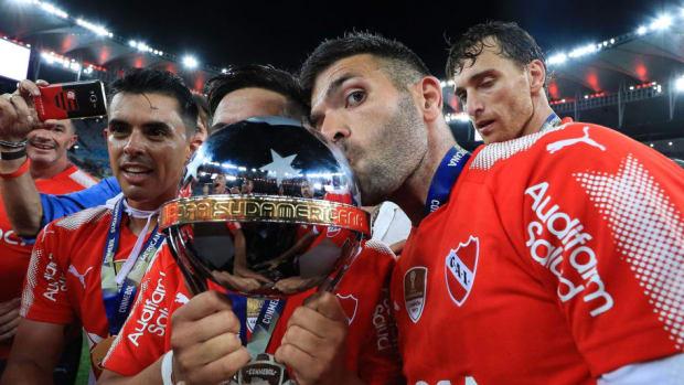flamengo-v-independiente-copa-conmebol-sudamericana-2017-final-5b15c3bc3467ac52dd000001.jpg