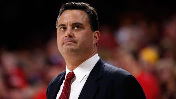 Arizona's Sean Miller Denies ESPN Report, Will Return to Team--IMAGE