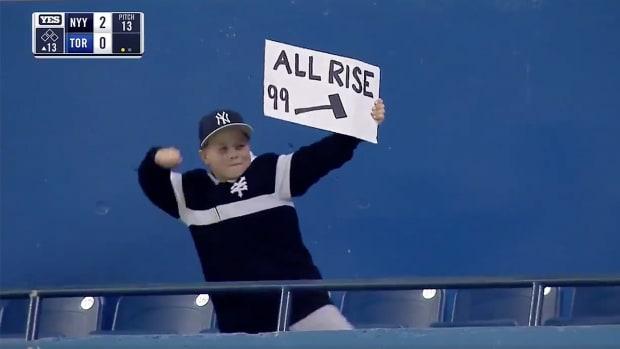 yankees-aaron-judge-homer-kid-reaction.jpg