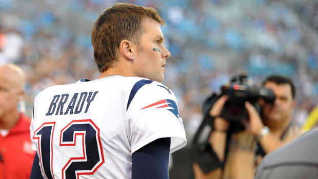 Tom Brady Hangs Up On Radio interview After Questions About Alex Guerrero