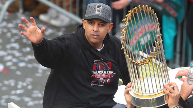 Alex Cora Brings World Series Trophy to Puerto Rico, Receives Hero's Welcome - IMAGE