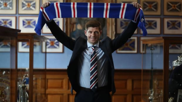 steven-gerrard-is-unveiled-as-the-new-manager-at-rangers-5af0c2ea3467ac35a3000001.jpg