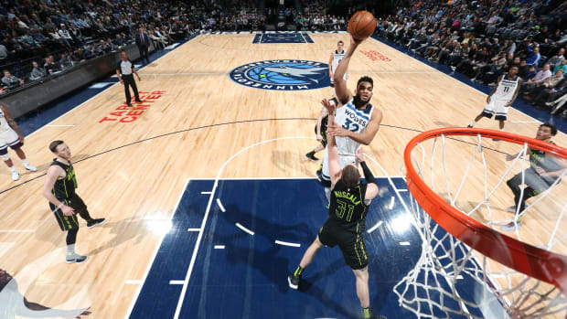 karl-anthony-towns-single-game-points-record.jpg