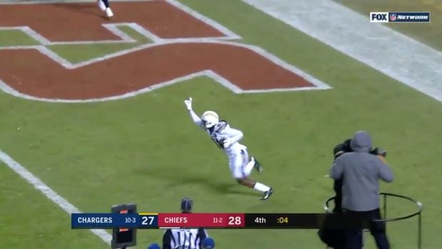 chargers-beat-chiefs-two-point-conversion.jpg
