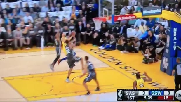 steph-curry-ankle-roll-out.png