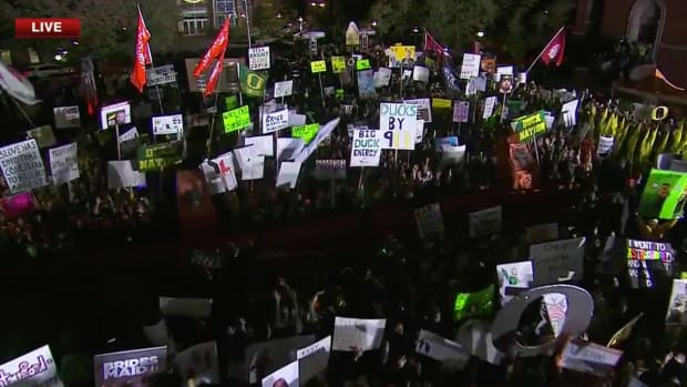 college-gameday-signs-oregon-stanford.jpg