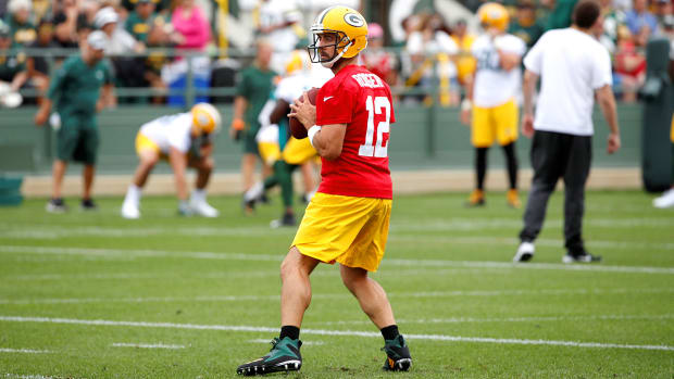aaron-rodgers-contract-extension-green-bay-packers.jpg